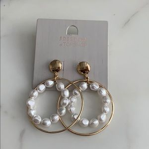 Topshop earrings gold with pearls